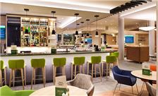 Holiday Inn Frankfurt Airport - Open Lobby Bar Area