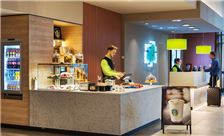 Holiday Inn Frankfurt Airport - To Go Coffee Starbucks