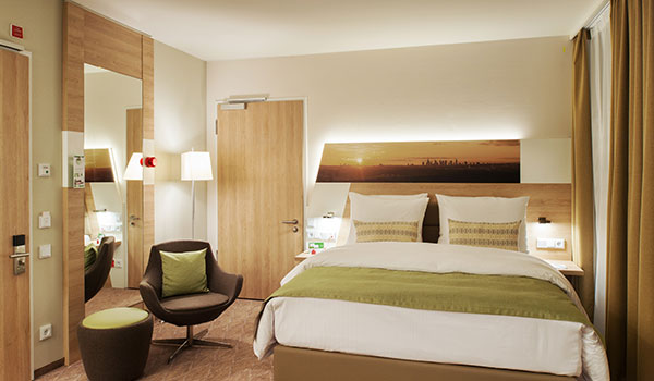Wheelchair Accessible Queen Bed at Holiday Inn Frankfurt Airport, Germany